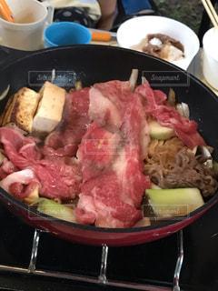 食べ物でいっぱいの鍋の写真・画像素材[2366316]