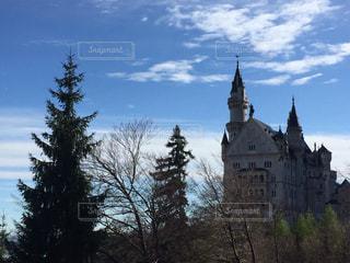 建物の側に時計城の写真・画像素材[1916399]