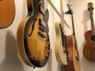 ギターの写真・画像素材[2088300]