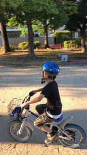 自転車に乗れるようになりましたの写真・画像素材[2147239]