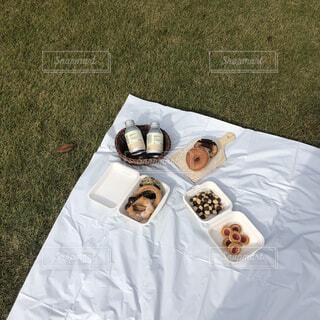 ピクニック ドーナツをならべての写真・画像素材[3867476]