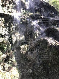 大きな滝の写真・画像素材[1910665]
