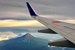 誕生日に飛行機から見た富士山🗻の写真・画像素材[2036391]