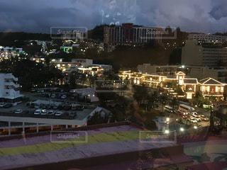 夜の街の景色の写真・画像素材[1916254]