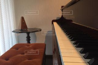 部屋にはピアノの写真・画像素材[1904086]
