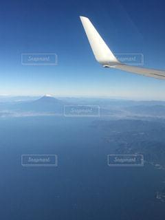 富士山とヒコーキの写真・画像素材[2053313]
