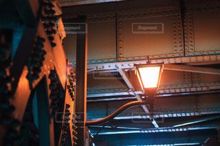 高架下のライトの写真・画像素材[2036619]