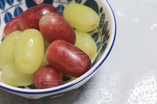 フルーツを食べようの写真・画像素材[2042970]
