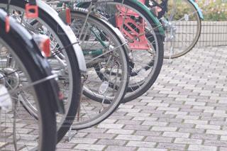 整列された自転車の写真・画像素材[2058780]