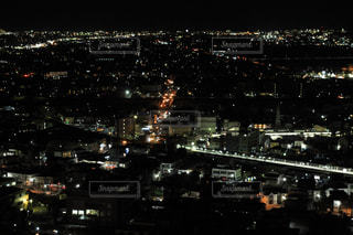 夜の街の景色の写真・画像素材[2079449]