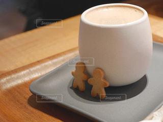 ホットチョコレートとクッキーの写真・画像素材[2092495]