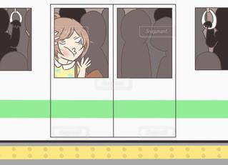 ぎゅうぎゅうの満員電車の写真・画像素材[2325749]