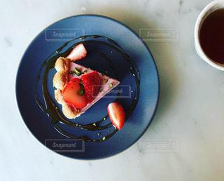 いちごのシャルロットケーキの写真・画像素材[1896966]