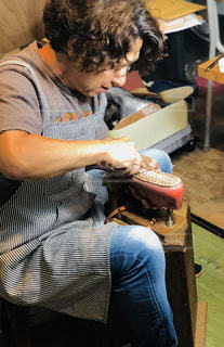 革靴を作るの写真・画像素材[2517674]