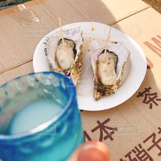お酒と牡蠣の写真・画像素材[1944836]