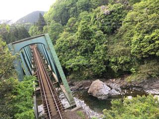 山奥の鉄橋の写真・画像素材[1911386]