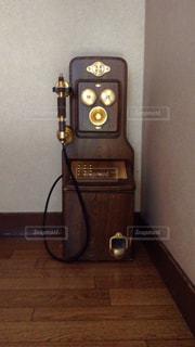 レトロな電話の写真・画像素材[1893666]