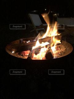 火のクローズアップの写真・画像素材[2742302]