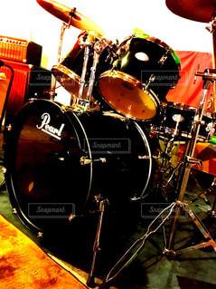 ドラムセットの写真・画像素材[2046189]
