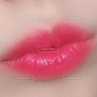自分の唇の写真・画像素材[1891580]