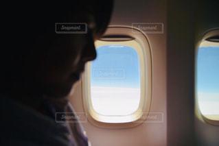 車窓の助手席の写真・画像素材[2294615]