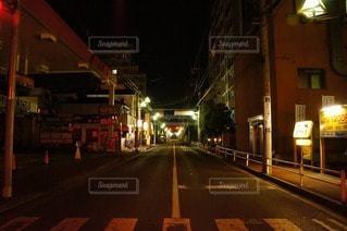 夜の道路の写真・画像素材[85205]