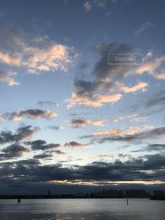 日の出の写真・画像素材[2842043]