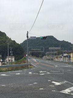 道路側の交通信号の写真・画像素材[976063]