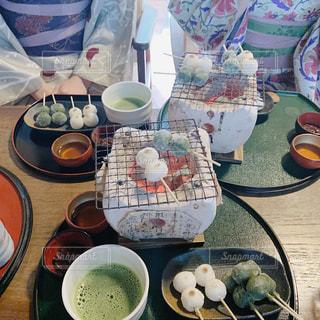 食べ物でいっぱいのテーブルの写真・画像素材[2962929]