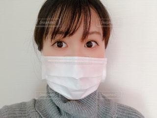 マスクをつける人の写真・画像素材[2931974]