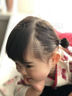 着物を着てすまし顔の女の子の写真・画像素材[1918462]