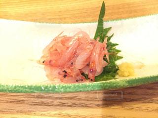 桜エビ刺身の写真・画像素材[924140]