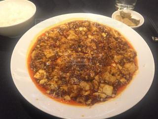 スープ、ピザのボウルの写真・画像素材[1029080]