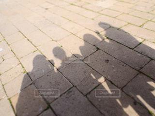 レンガ歩道の影の写真・画像素材[1931374]