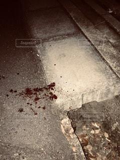 路地裏の血痕の写真・画像素材[1928340]