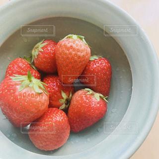 イチゴをいただいたのでの写真・画像素材[2167553]