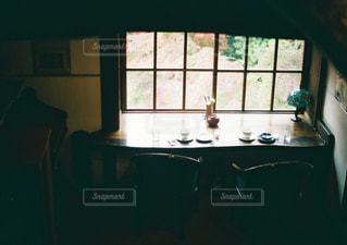 カフェの窓際の写真・画像素材[3218301]