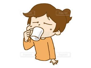 飲み物 飲んでいる 女性の写真・画像素材[4276118]