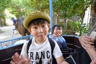 帽子をかぶった少年の写真・画像素材[1927886]