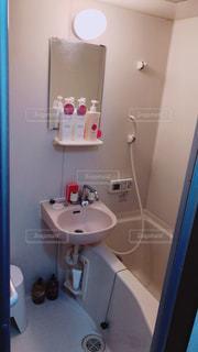 ワンルームマンションのお風呂の写真・画像素材[1935337]