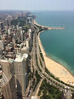 シカゴ高層ビルからのミシガン湖ビーチ⛱の写真・画像素材[1979605]