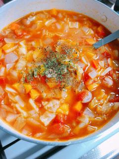 近くにスープのアップの写真・画像素材[1923793]