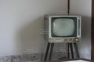 昔を感じさせるテレビの写真・画像素材[1923720]