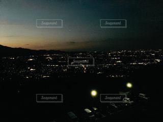 夜を見上げる空の眺めの写真・画像素材[2214453]