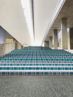 タータンチェックの階段の写真・画像素材[2045294]