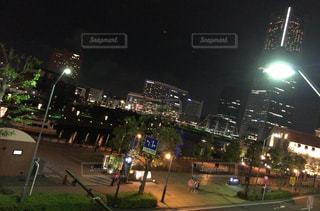 夜の街の景色の写真・画像素材[1930632]