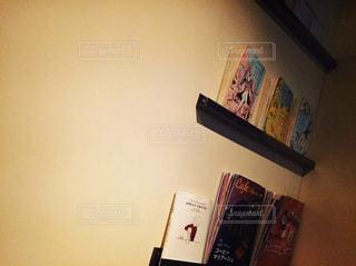本とお部屋の写真・画像素材[1950851]