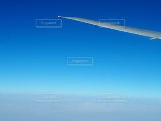 飛行機の窓からの写真・画像素材[1958180]