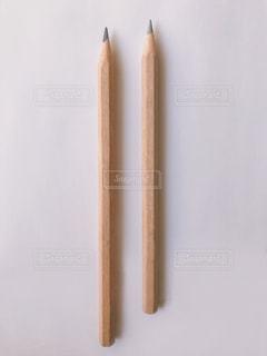 2本の鉛筆の写真・画像素材[2289850]