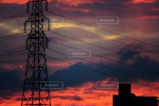 朝焼けと鉄塔の写真・画像素材[1950741]